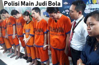 Polisi Main Judi Bola